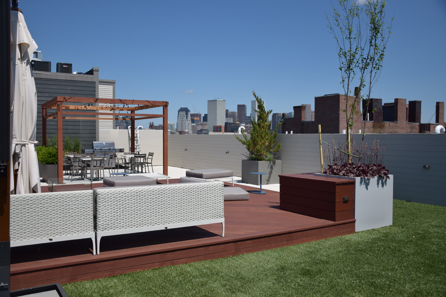 E St Roofdeck