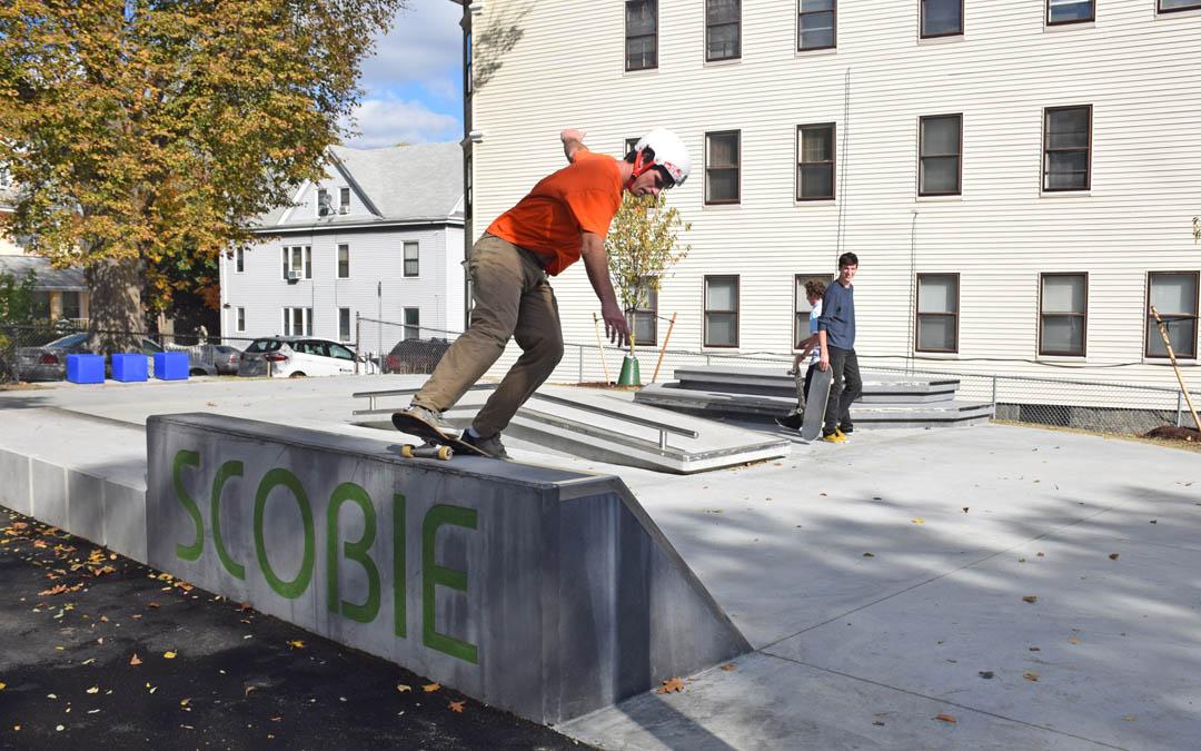 3-skatepark-scobie text-boarder in ride