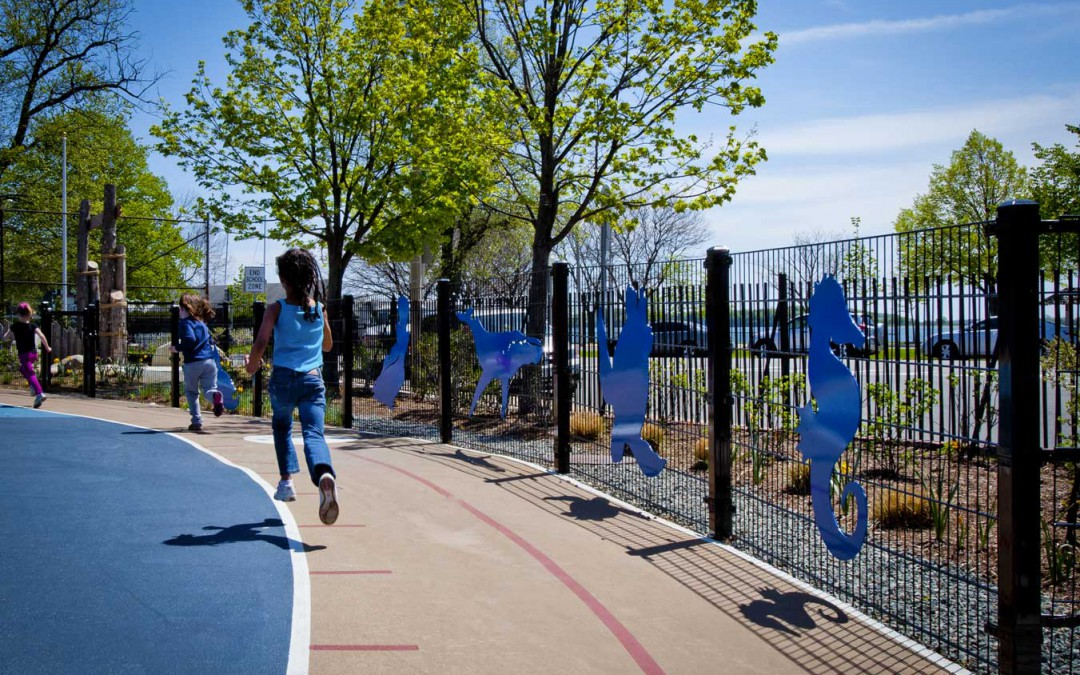 Warner Leads ASLA Tour of Perry Schoolyard