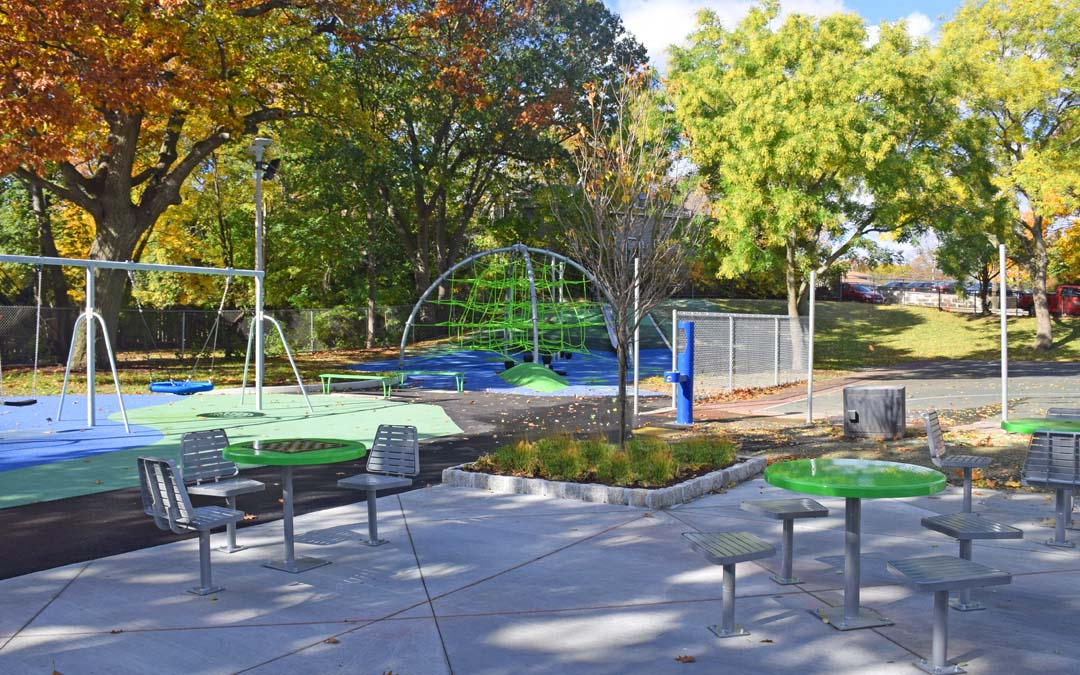 Little-Scobie_parks_playground_1_seating