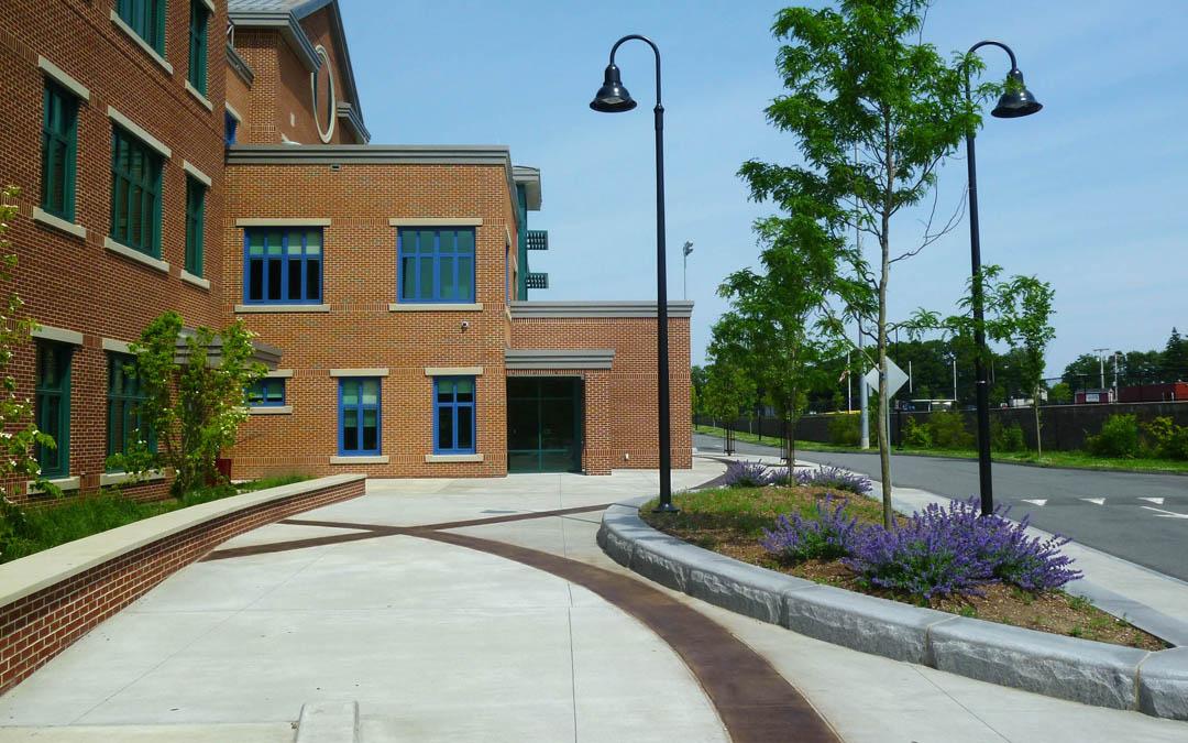 1Avery-Elementary-School-Dropoff-Plaza-Pavement Pattern-Planting